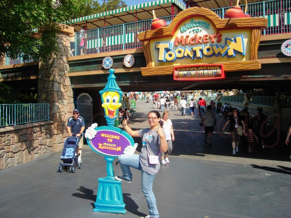 Me, cheesin' it up at Mickey's Toontown